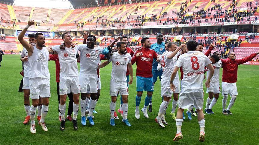 Sivasspor 12. Haftayı Lider Tamamlamayı Garantiledi!