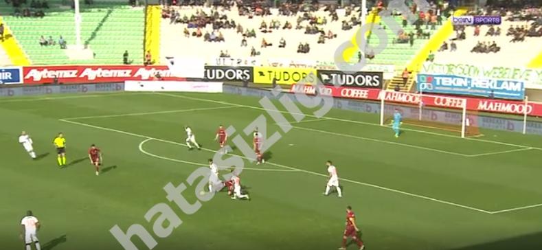 45+1'da Zoran Kvrziç'in gördüğü kırmızı kart